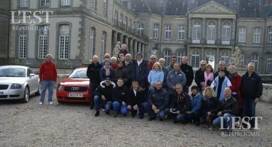 haroue-le-clan-tt-fait-etape-au-chateau-1476290172.jpg